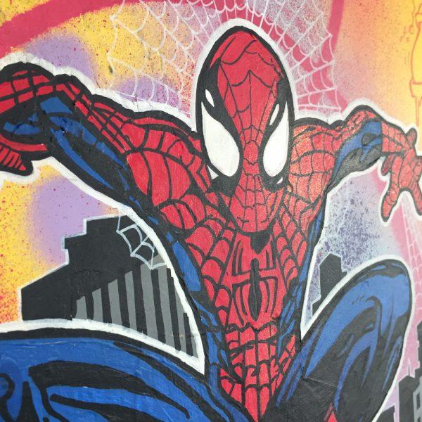 Zoom boîte aux lettres Marvel Dok